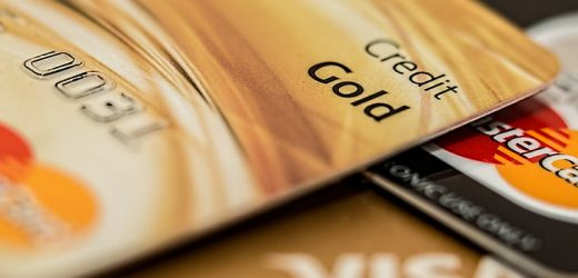 Know What Is Best For You A Debit Card Or A Credit Card